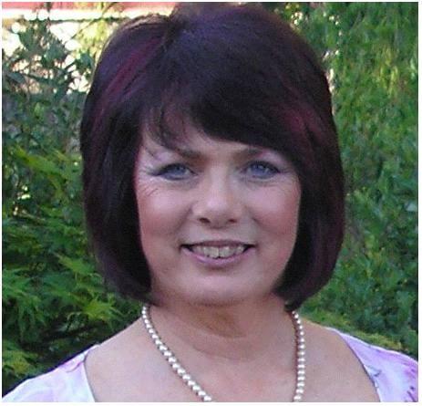 Associate Professor Elaine Barclay
