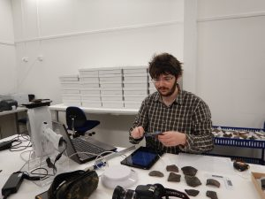Using the XRF to analyse sherds