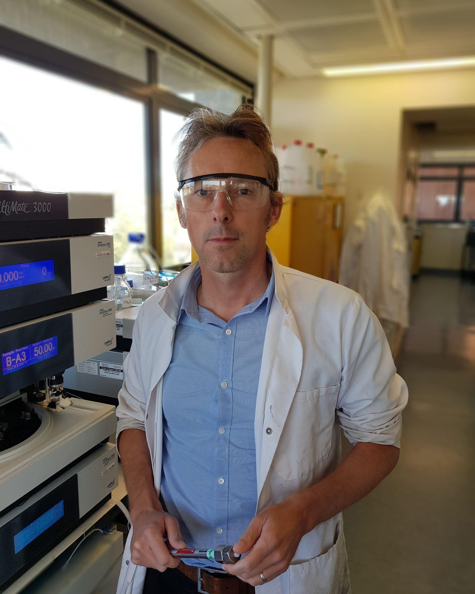 Dr David Rennison