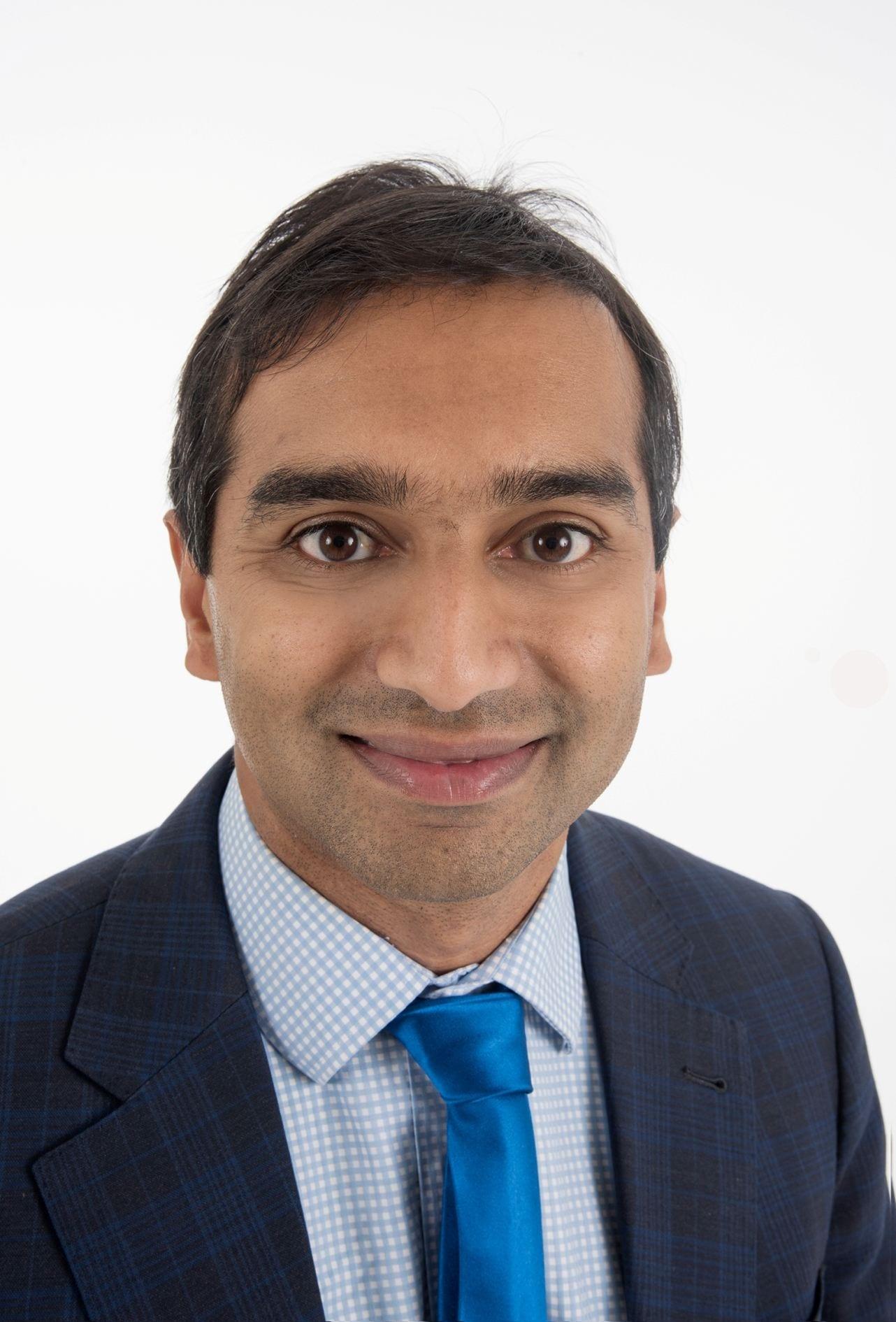 Dr Sanjeev Deva