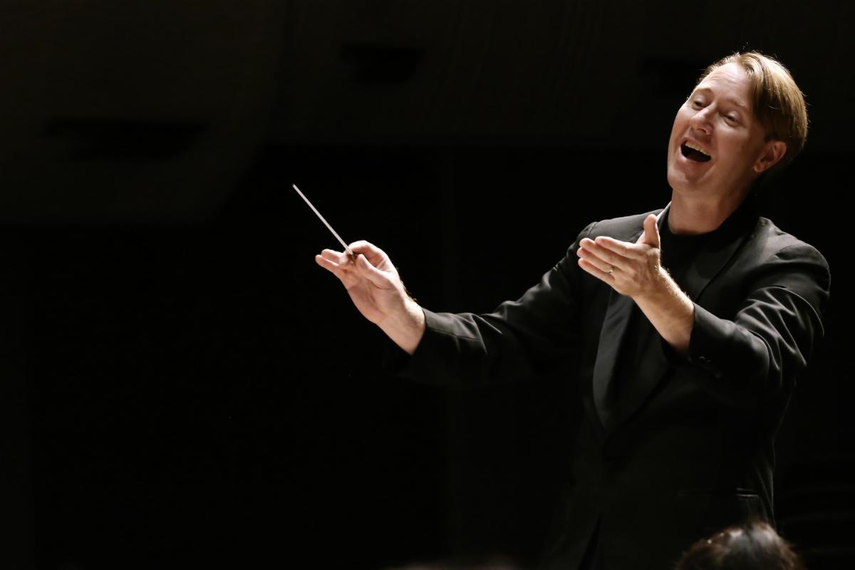 Alumni conductor Benjamin Northey. Photo: Prudence Upton, 2015.