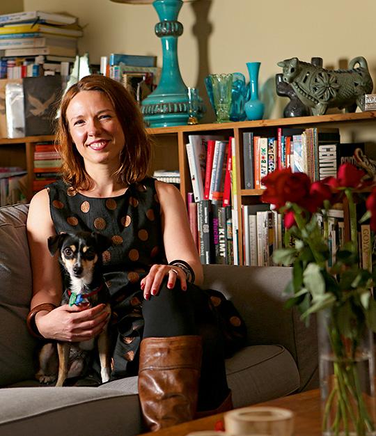 Dr Emily Bitto (MA(EngLang) 2008, PhD 2013)