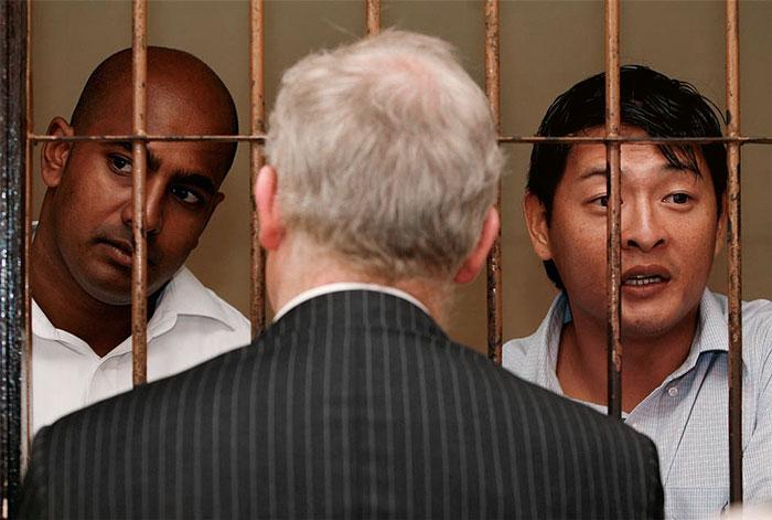 Visiting Myuran Sukumaran and Andrew Chan in the Denpasar court. Picture: Danny Arcadia