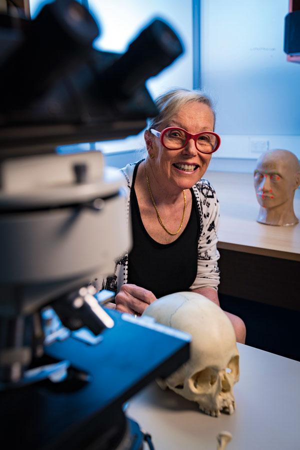 Dr Pamela Craig