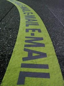 Image: 'autoroute à emails...' http://www.flickr.com/photos/29647247@N00/60963915