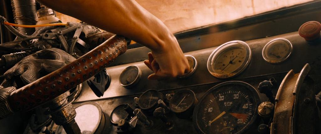 Mad.Max.Fury.Road.2015.1080p.BluRay.x264.AC3-ETRG.Screenshot10